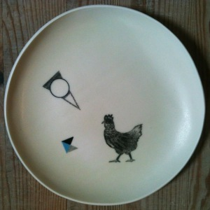 assiette poule triangle